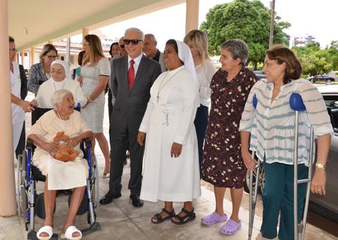 gov-em-exercicio-marcos-cavalcante-visita-lar-da-providencia_foto-walter-rafael-1