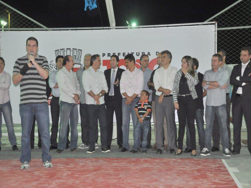 inauguração praça João Almeida e Hildevânio